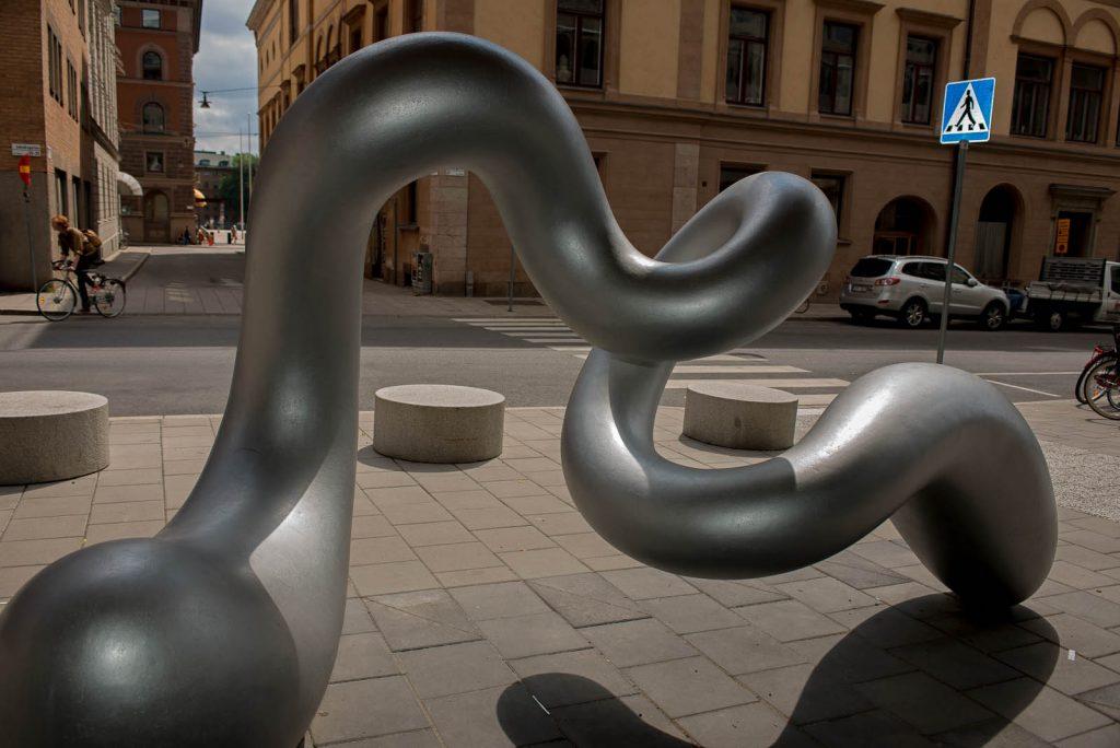 Detalj av skulptur. Eva Hild, Binär, 2013