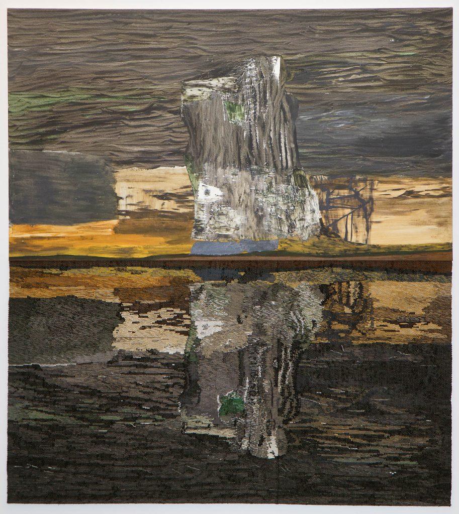 Tudelat verk. Överdelen är ett målat landskap, nederdelen är en textil invertering av landskapet, på håll ser det ut som en vattenspegling. Andreas Eriksson, Natt som dag, 2013