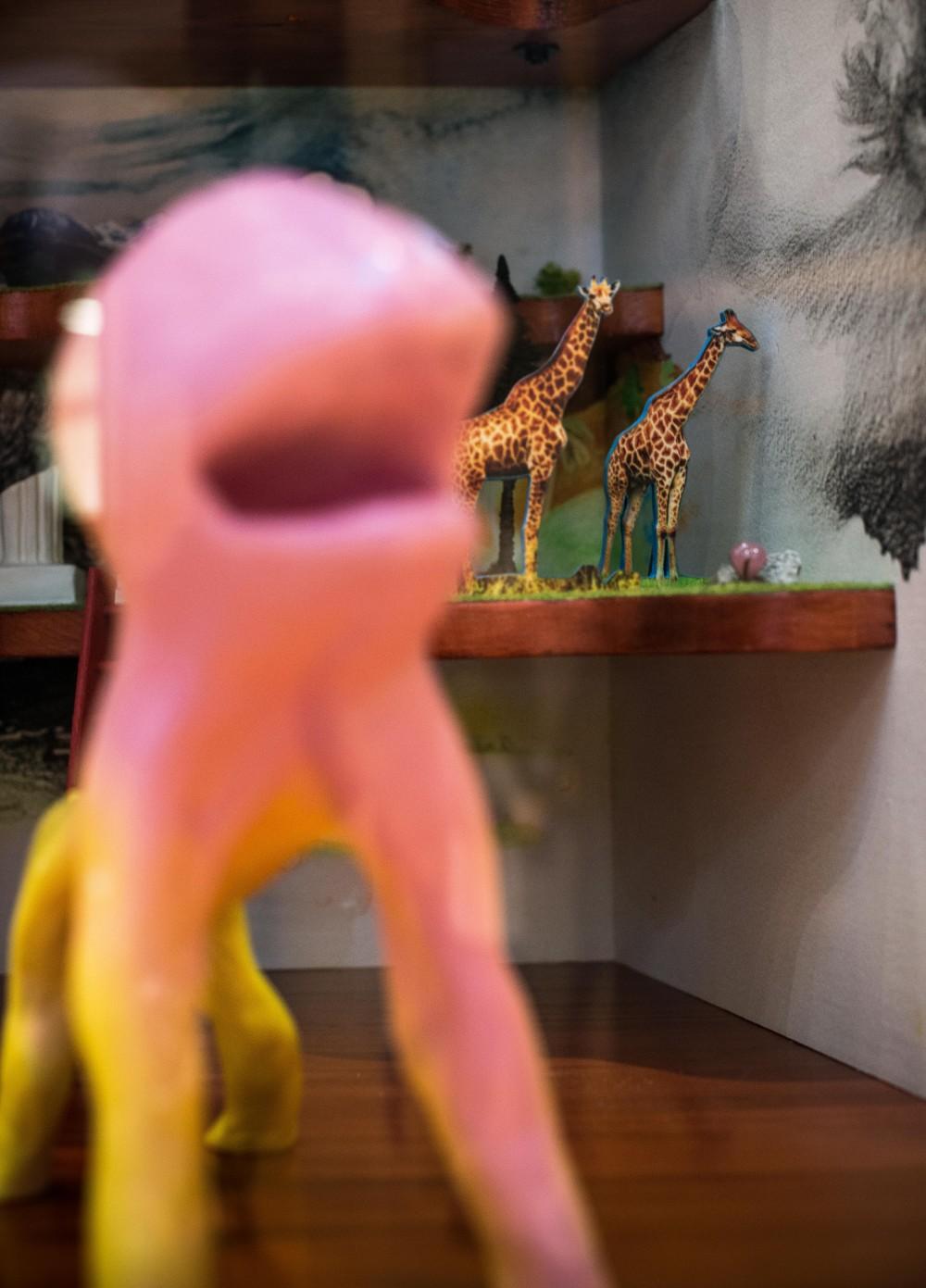 Skulptur av en rosa bläckfisk. Christoffer Paues, All Världens Djur