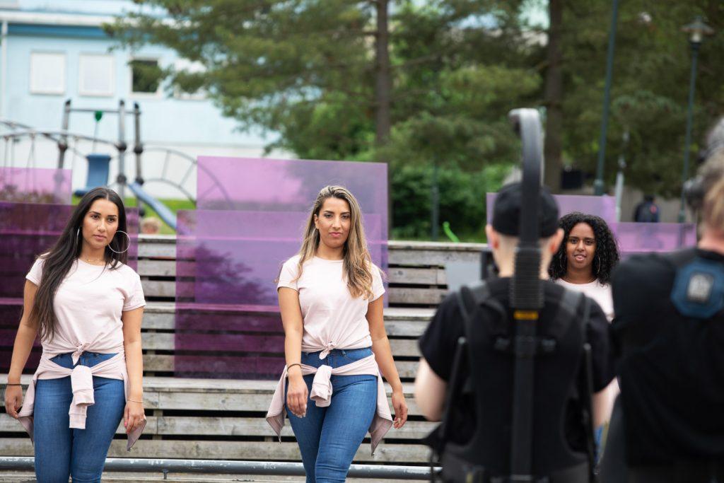 Inspelning av konstnären Johanna Billings film med dansgruppen MIx dancers.