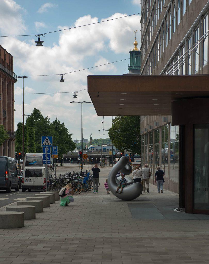 Aluminiumskulptur. Eva Hild, Binär, 2013