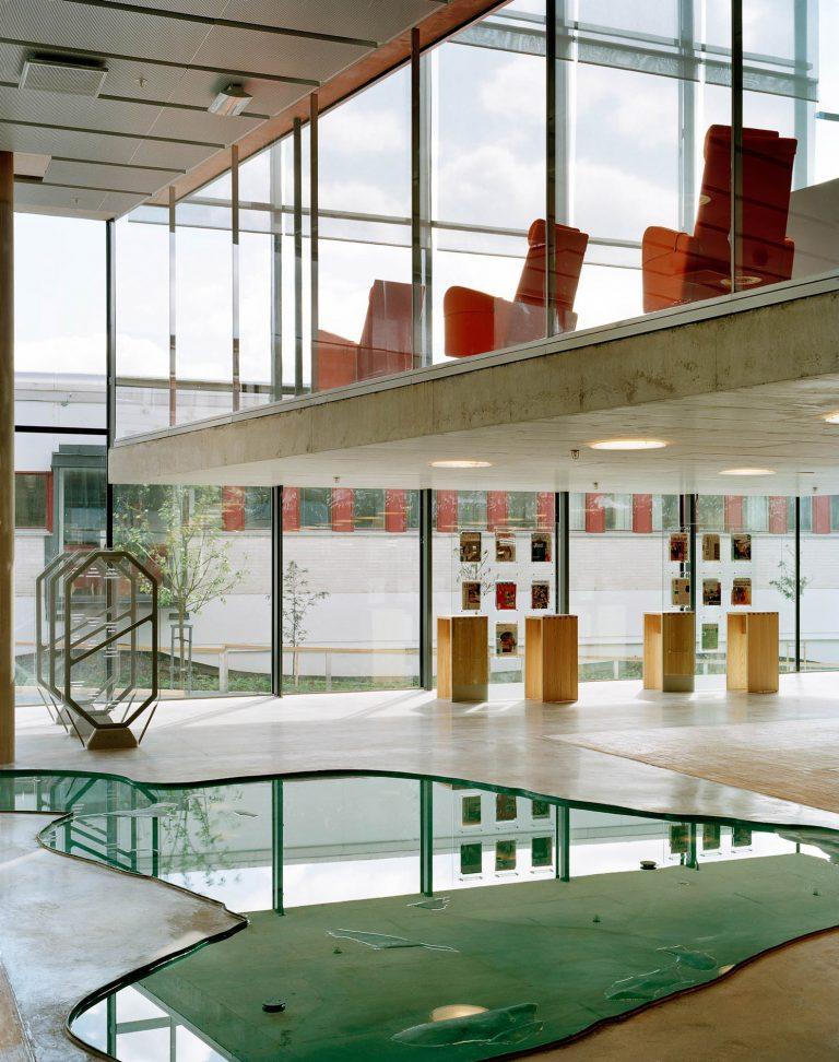 Grund damm i ljus öppen sal på våningen under studiesalen. Wretman Fredrik, Klingon, Damm.