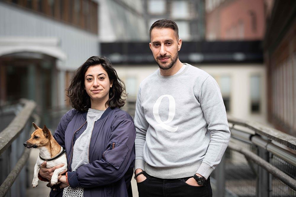 Filmaren Roxy Farhat och Rend Babker, ordförande i föreningen HUR-Samhällsentreprenören.