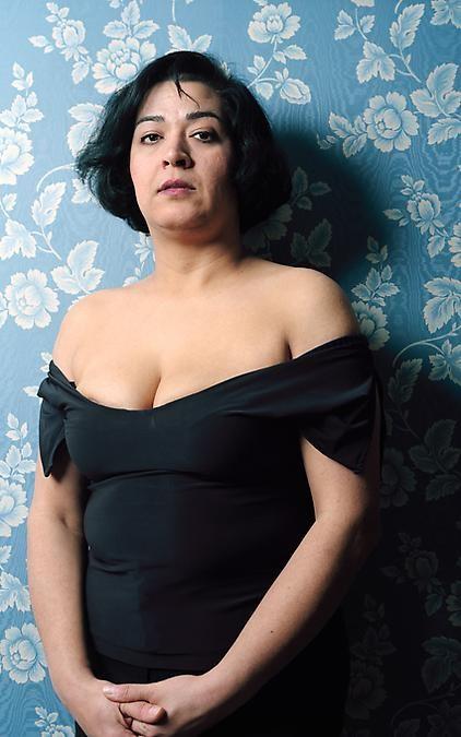 Aida Chehregosha, Mamma, 2002