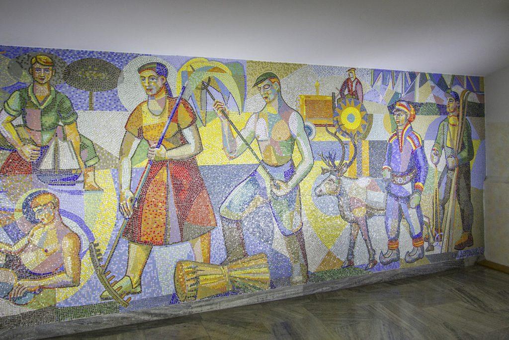 Mosaikvägg med arbetare