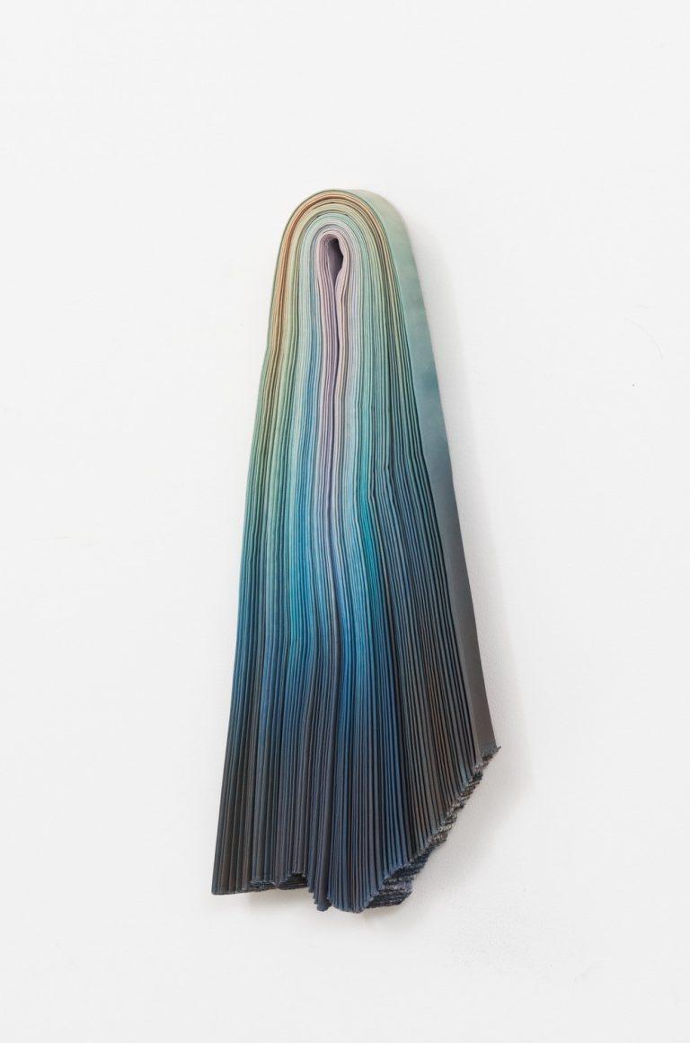 Konstnär: Charlotte Walentin, Titel: Blue 6, 2020, 80x50x10 cm, Foto: Paul Kokamägi